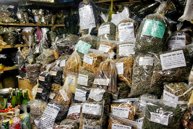 Herbs sold at Sapa market